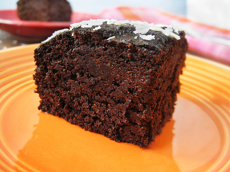 "Vegan Jelly Cake Recipe: Vegan ""Peanut Butter"" Quinoa Chocolate Cake"