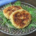 Gluten-Free Quinoa Salmon Cakes via Queen of Quinoa